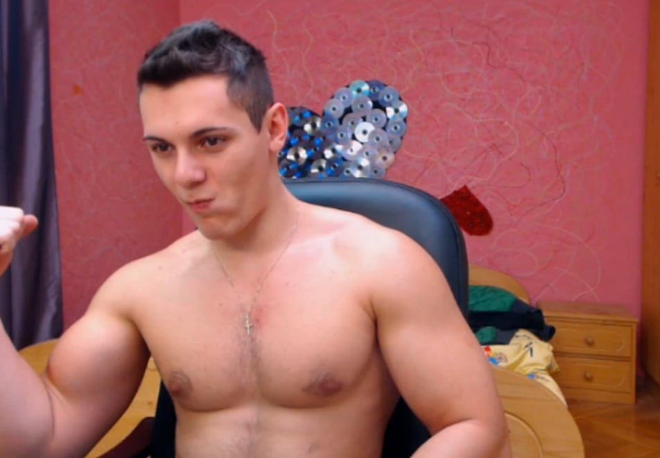 Muscle Gay Cam Show