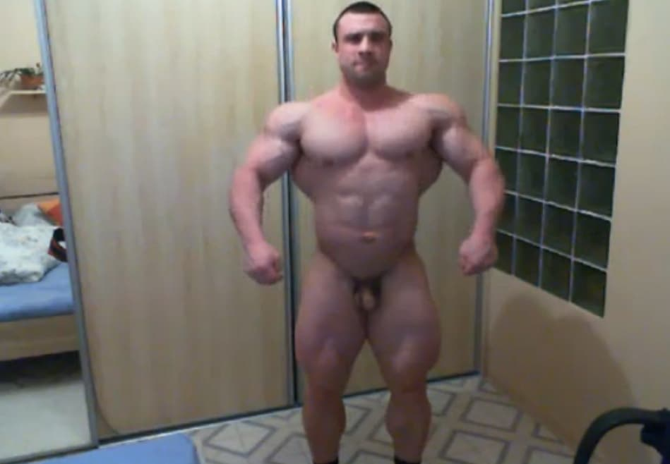 Gay bodybuilder cam